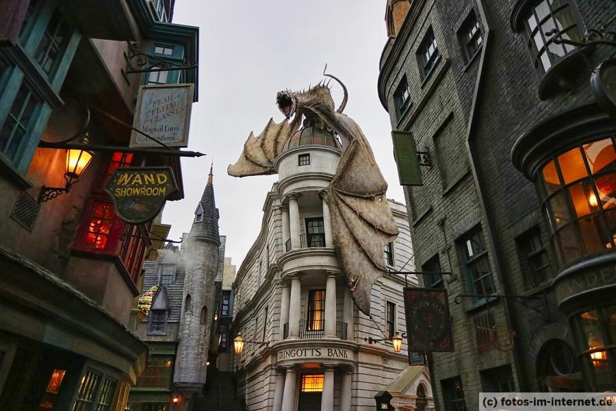 Universal Studios Florida - Harry Potter Gringotts Bank
